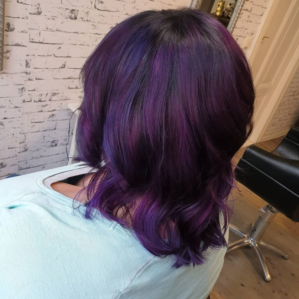 dark purple medium length hair on woman